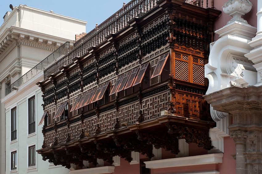 I balconi in legno di Lima, in Perù: un trionfo di storia e cultura