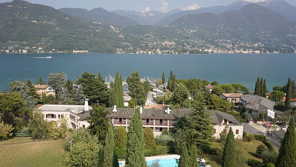 Splendore Anni Sessanta: il complesso residenziale e turistico sul Lago di Garda progettato dall'Arch. Rinaldo Scaioli